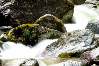 磨がれゆく水の流れ